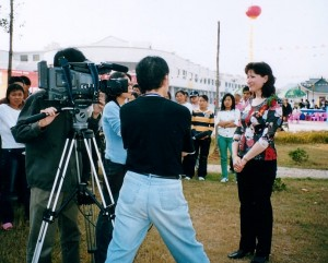 2004, Opening of the First International Ceramic Fair & Masters Exhibition, Jingdezhen. Nanchang TV interviews